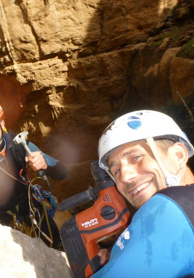 Make canyoning in Morocco with Jean-Christophe.